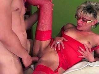Young man fucks horny granny