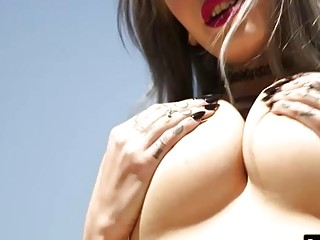 Busty tattooed emo whore Lady Luna gets her pussy rammed