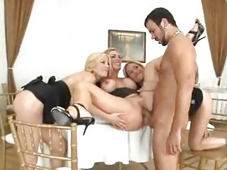 Holly SampsonTanya Tate and Tyler Faith milk the cum from a cock