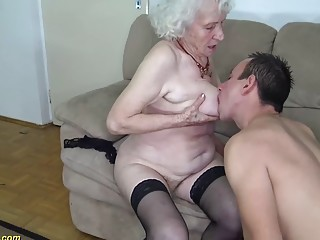 chubby hairy 91 years old mom rough fucked